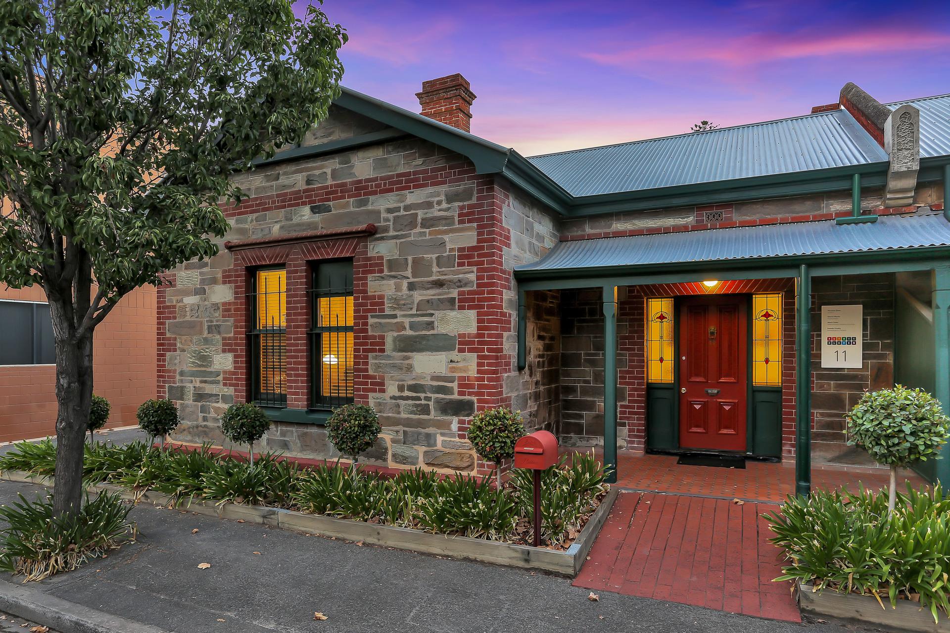 11 Ruthven  Avenue,  Adelaide