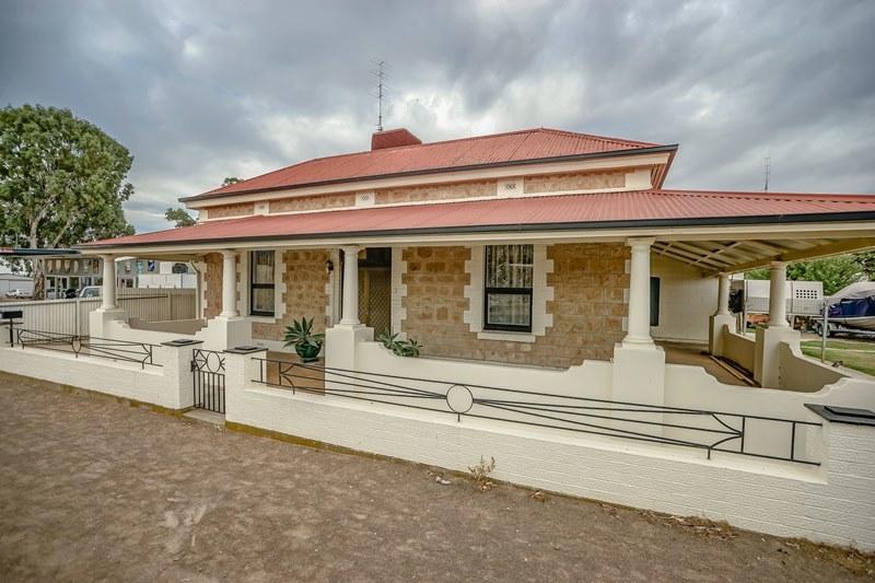 7 Charles Terrace,  Wallaroo