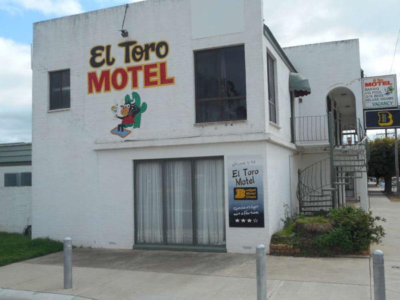 e - El Toro Motel