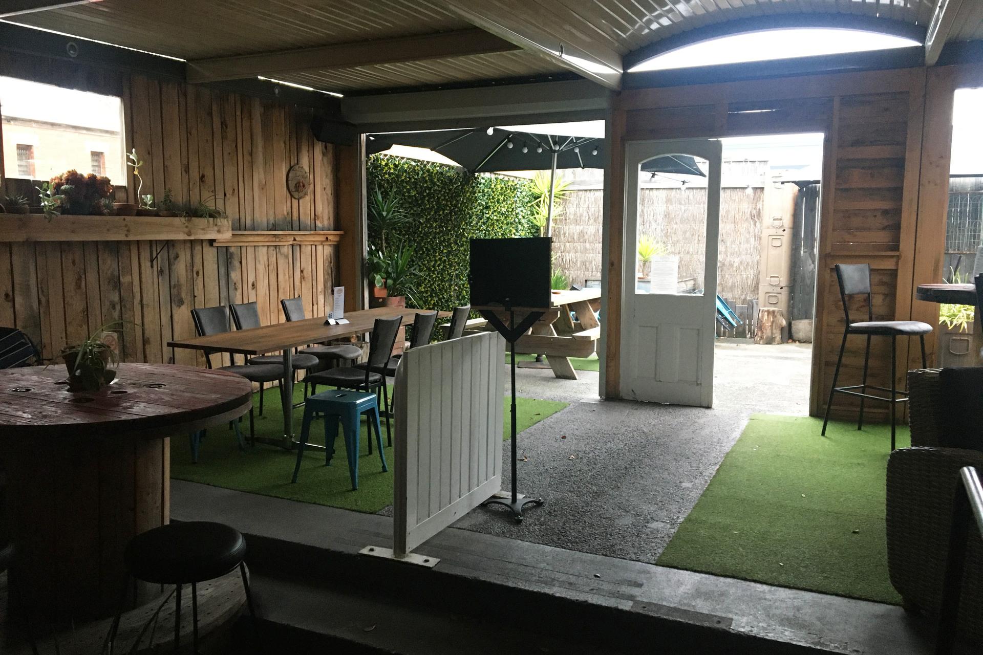 b - Culture Cafe Lounge Bar