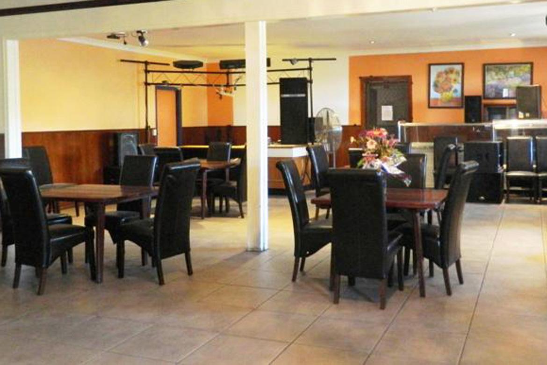 b - Carlon's Hotel