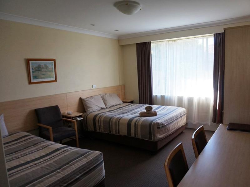 c - Acacia Motor Inn