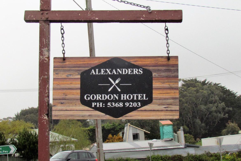 b - Gordon Hotel