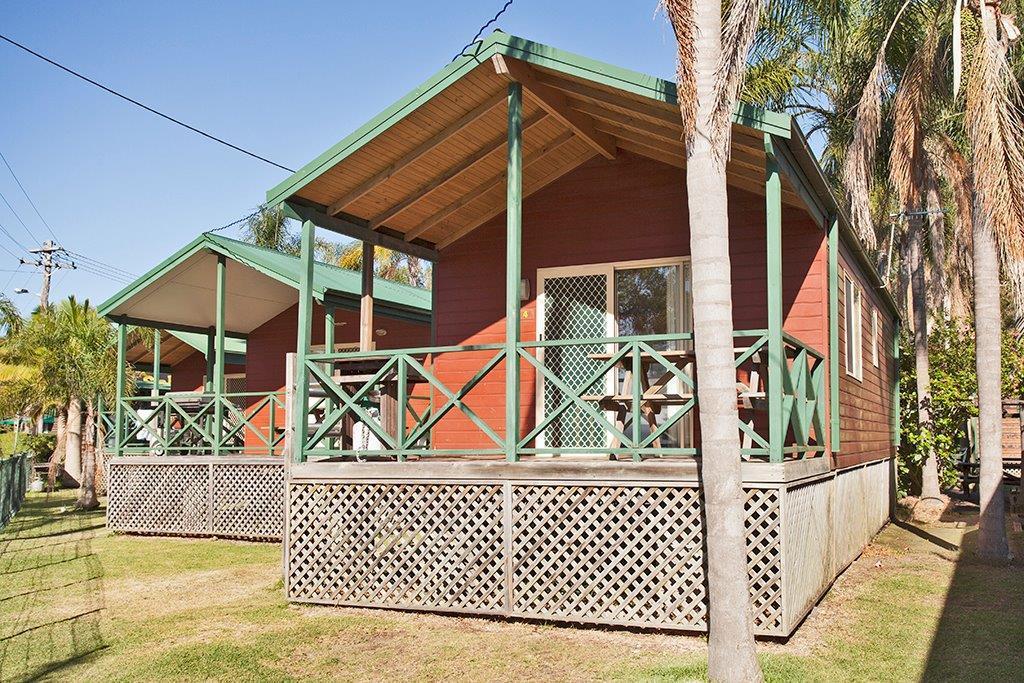 l - Paradise Park Cabins