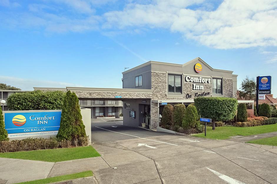 c - Comfort Inn on Raglan