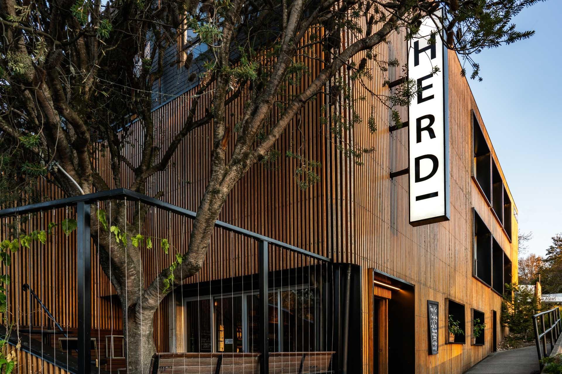 j - Herd Bar & Grill