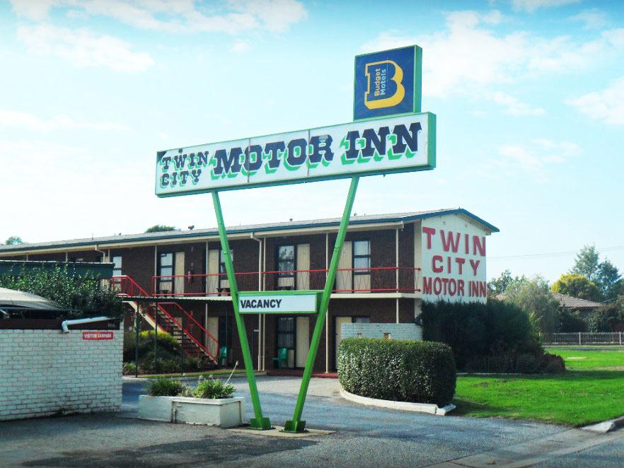 n - Twin City Motor Inn