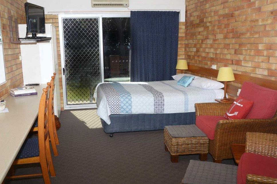 e - Shelly Beach Motel