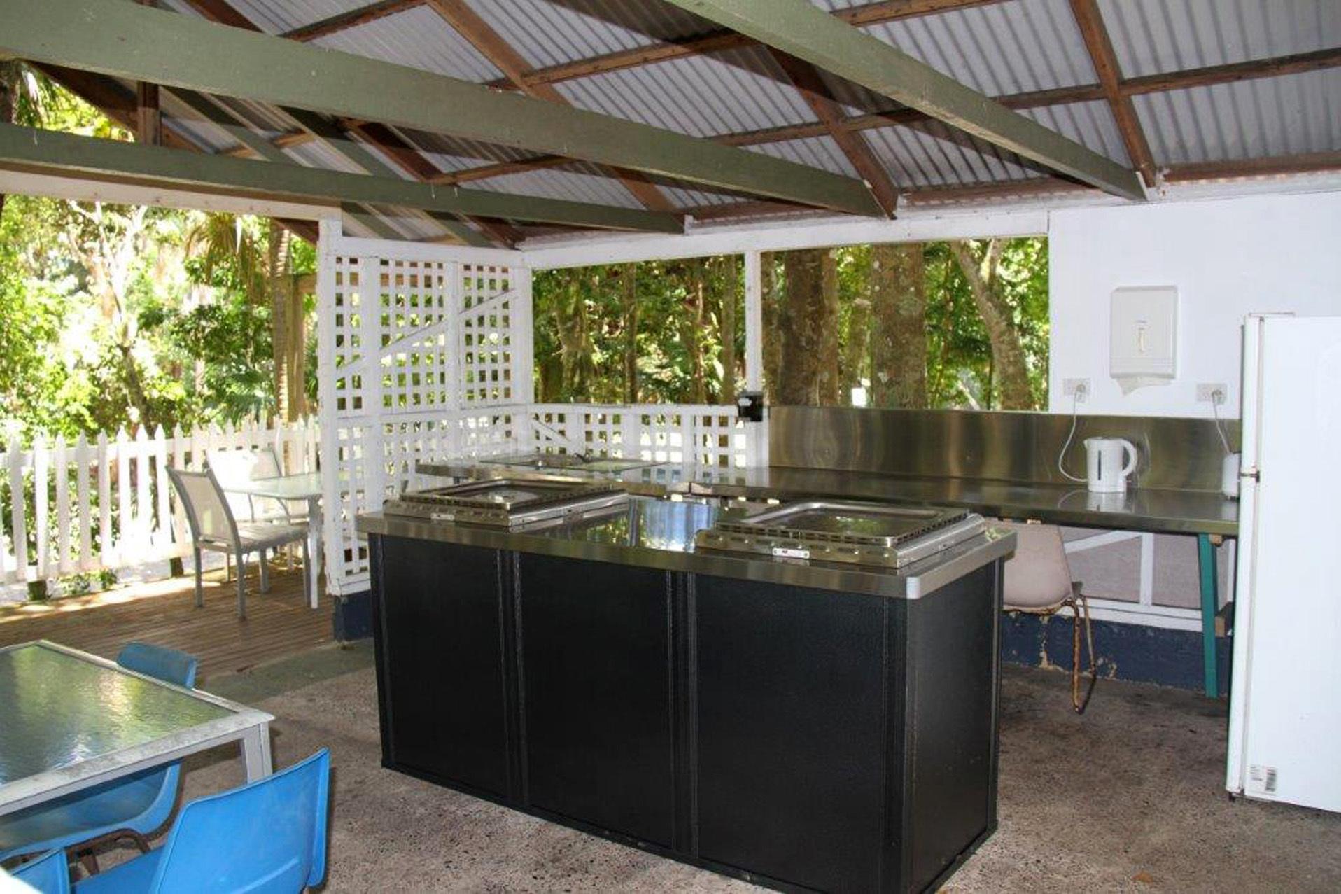 g - Tiona Palms Caravan Park