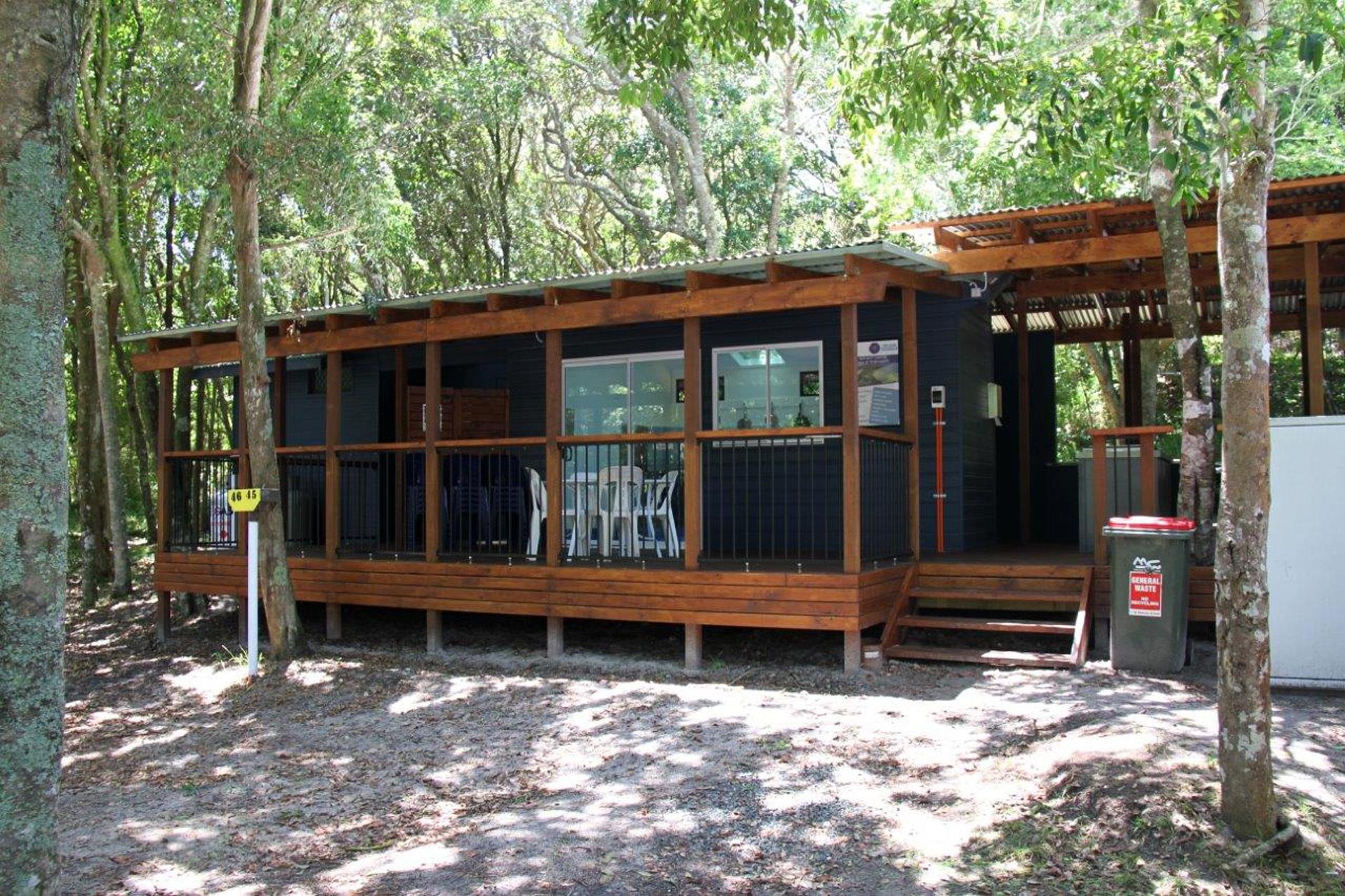 q - Tiona Palms Caravan Park