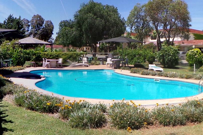 d - El Sierra Motel