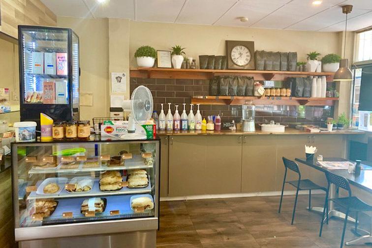 b - Pippa's Cafe