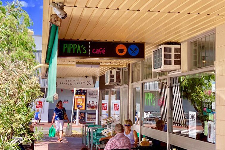 f - Pippa's Cafe