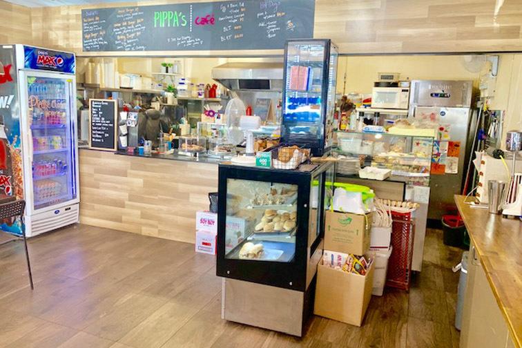 j - Pippa's Cafe