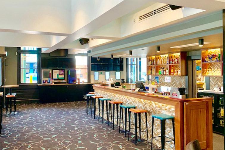 a - Austral Hotel