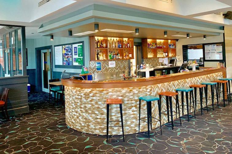 d - Austral Hotel