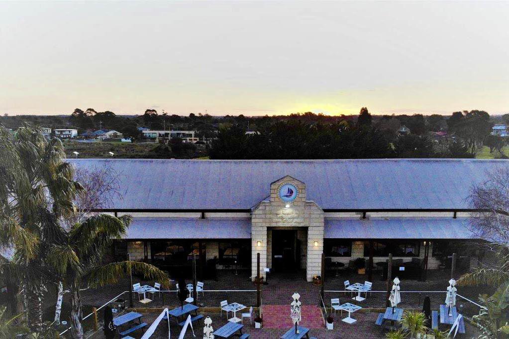 f - Marina Restaurant & Lounge Bar