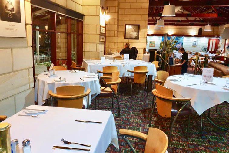 j - Marina Restaurant & Lounge Bar