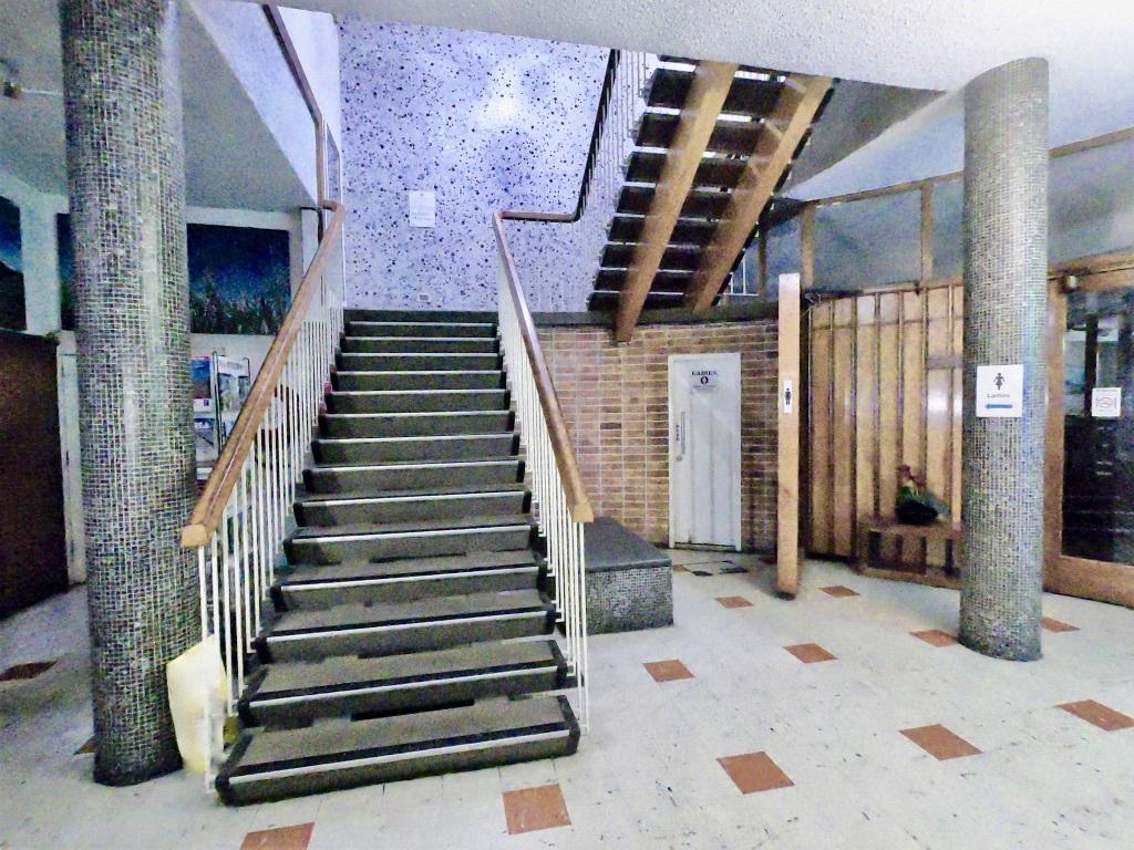 d - Lees Hotel/Motel & Retail Passive Inv.