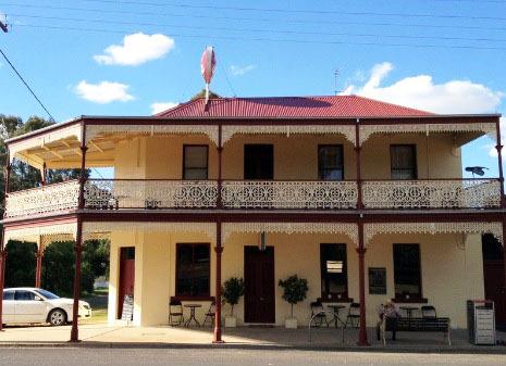 m - Gladstone Hotel