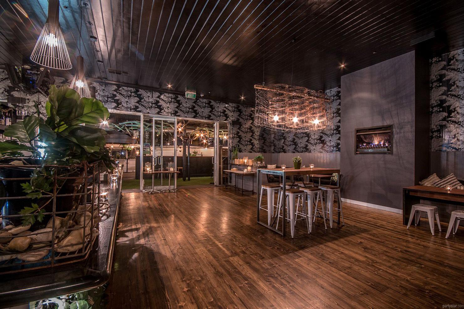 b - Metropol Bar