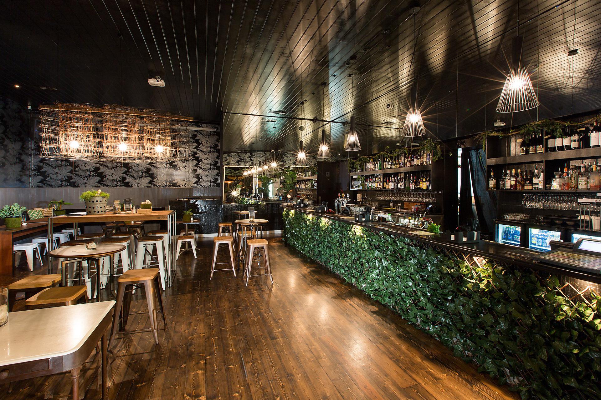 h - Metropol Bar