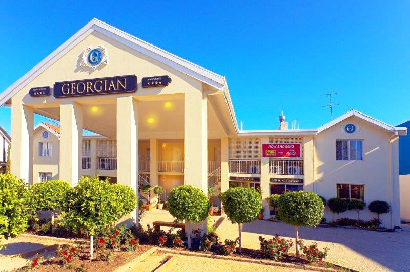 Comfort Inn & Suites Georgian