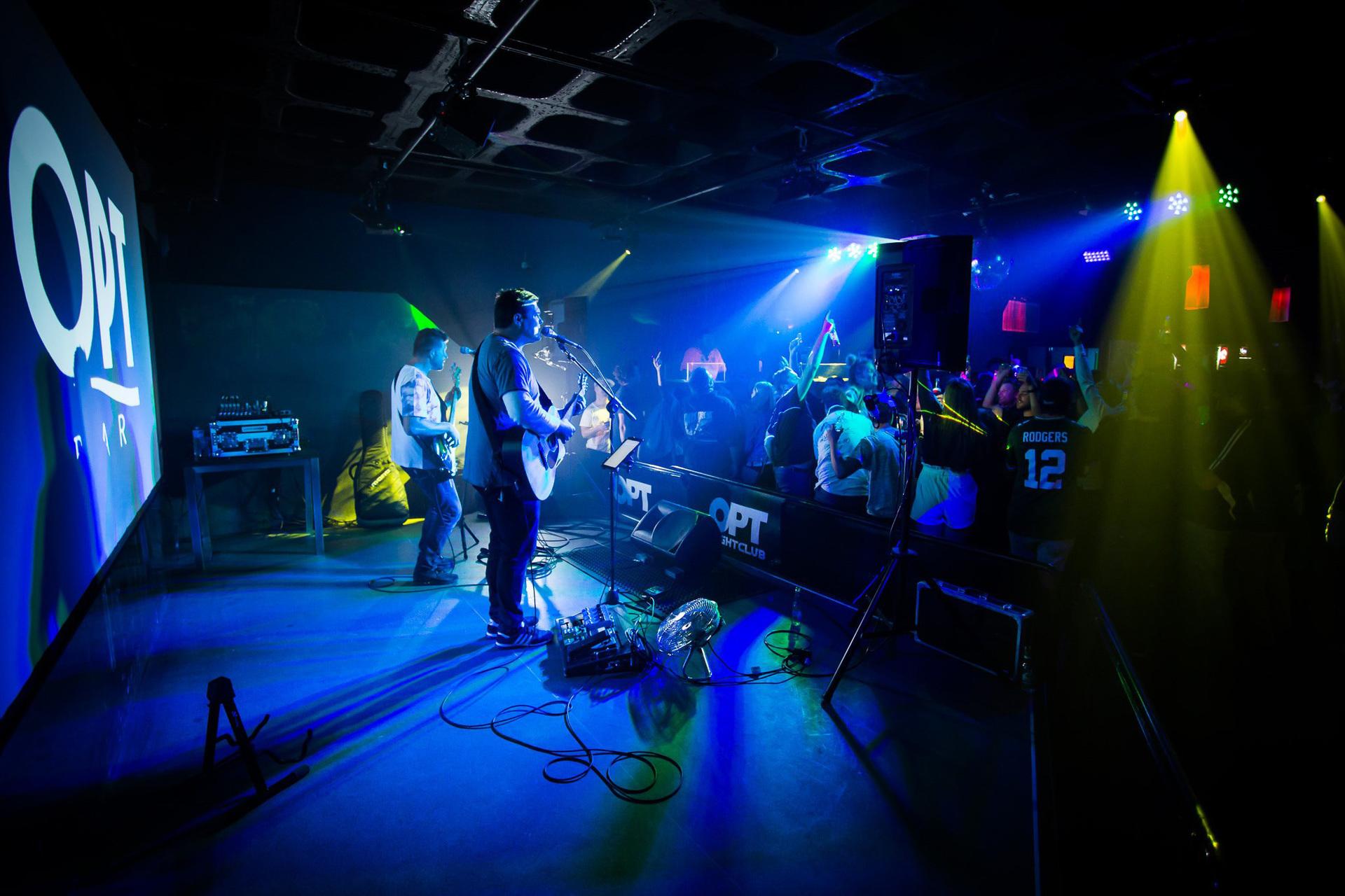 i - OPT Nightclub & Bar