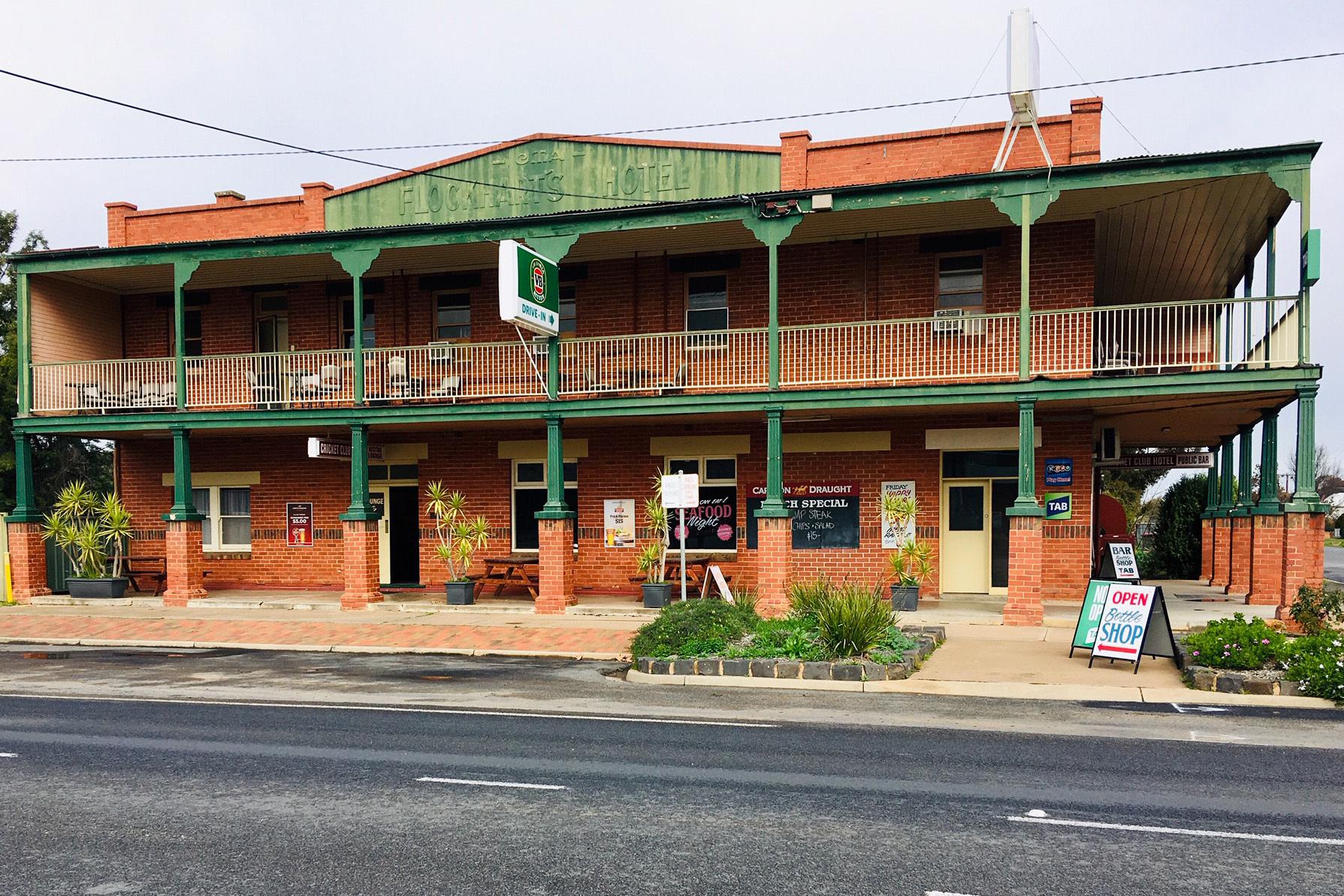 o - Cricket Club Hotel