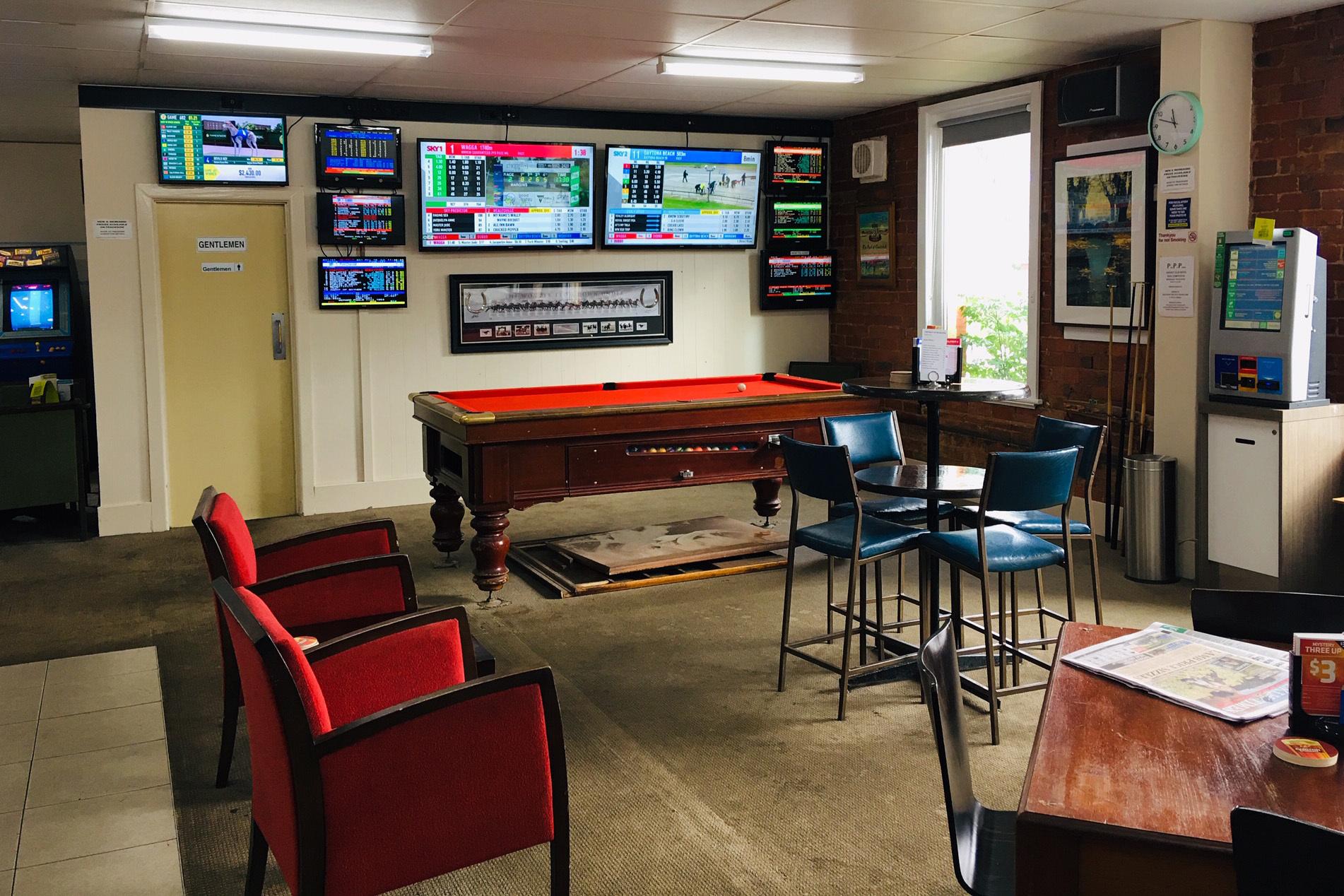 e - Cricket Club Hotel