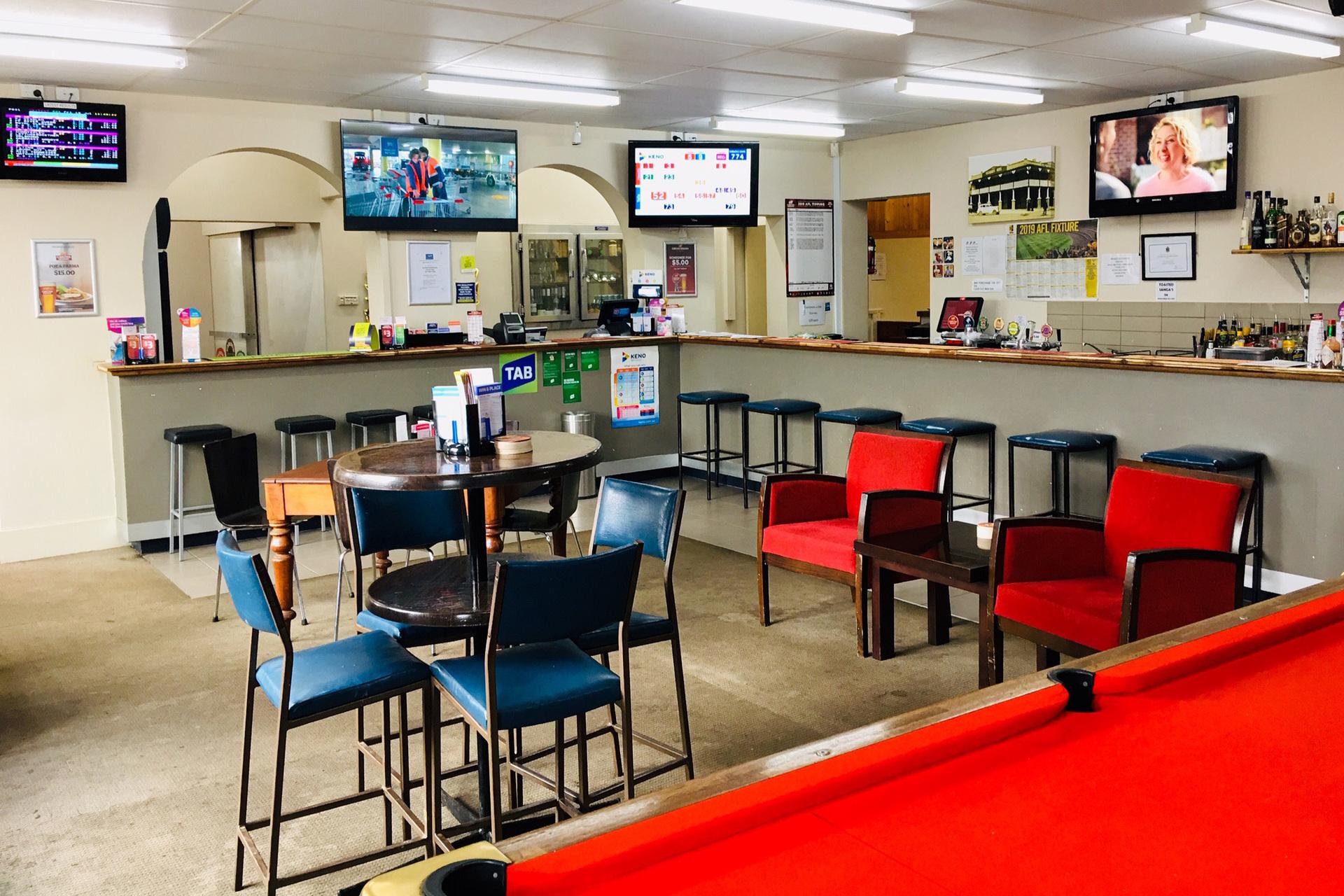 d - Cricket Club Hotel