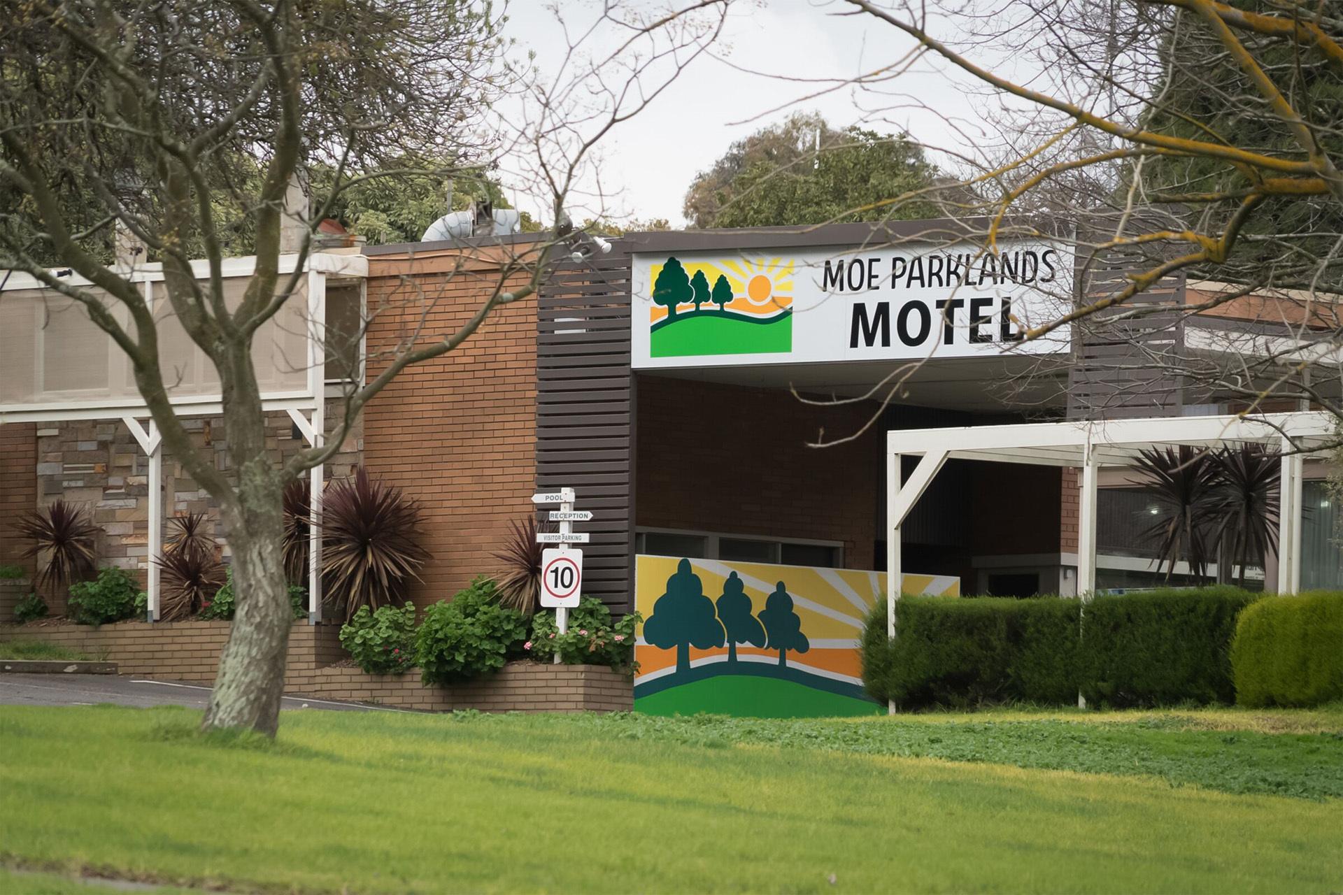c - Moe Parklands Motel