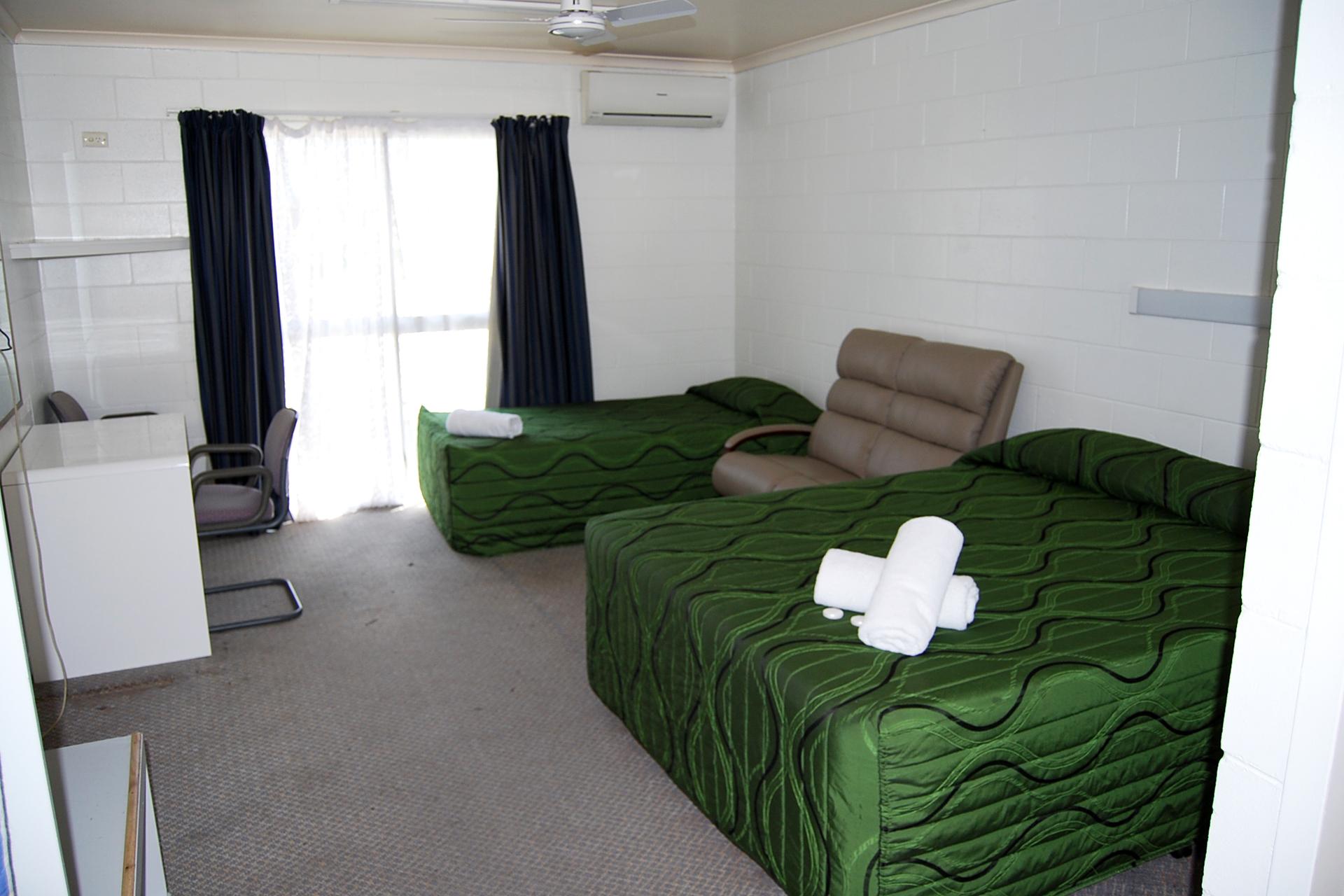 b - Park Hotel Motel