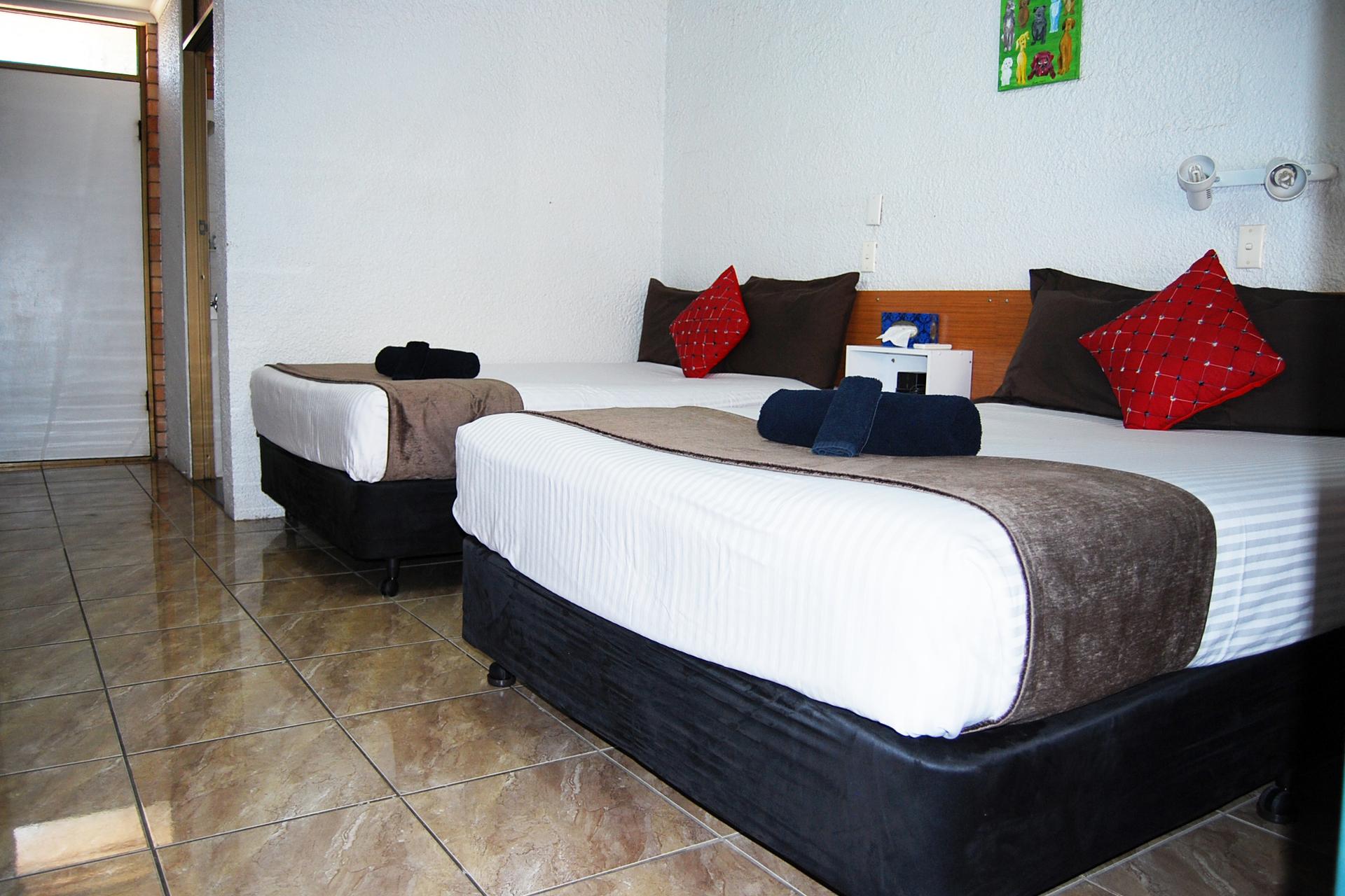 c - Abajaz Motor Inn