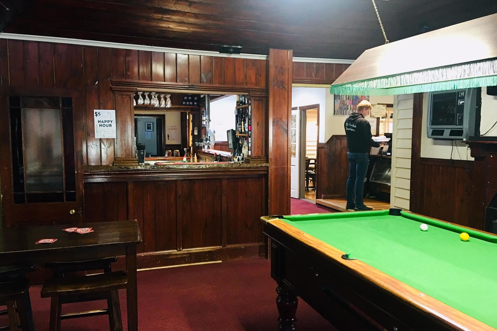 b - Axedale Tavern