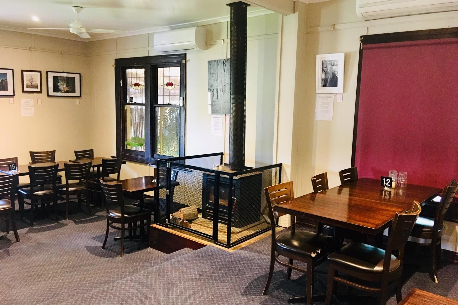 e - Axedale Tavern
