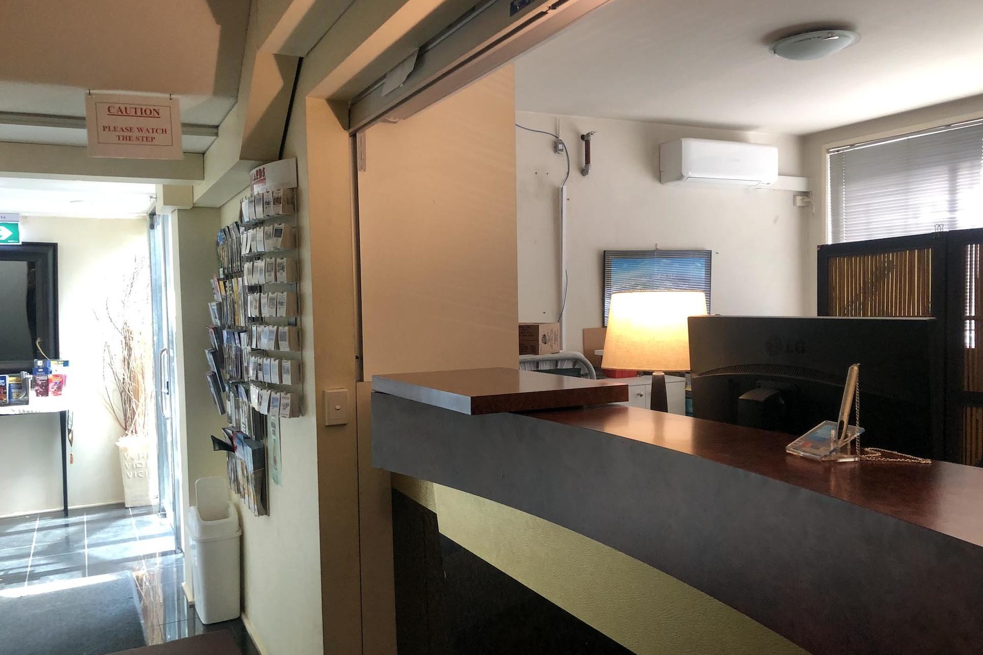 e - Knightsbridge Apartments