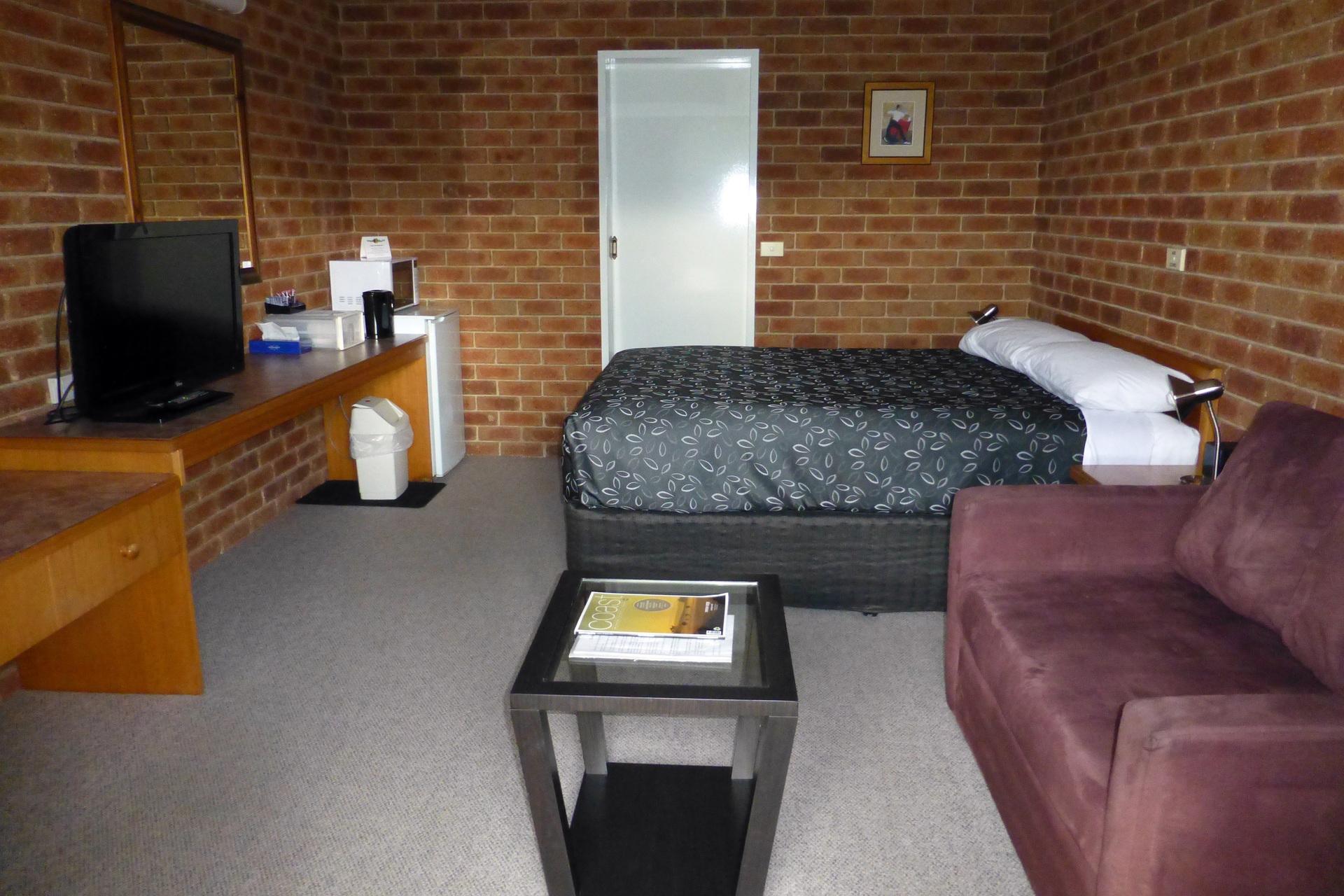 b - Inverloch Central Motor Inn