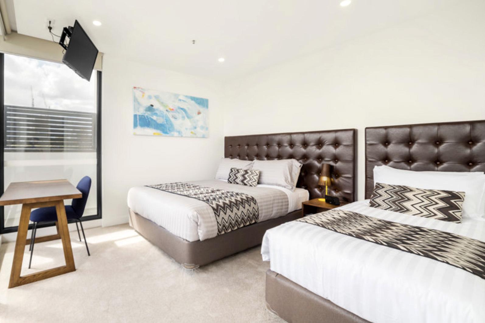 e - Whitehorse Apartments Hotel