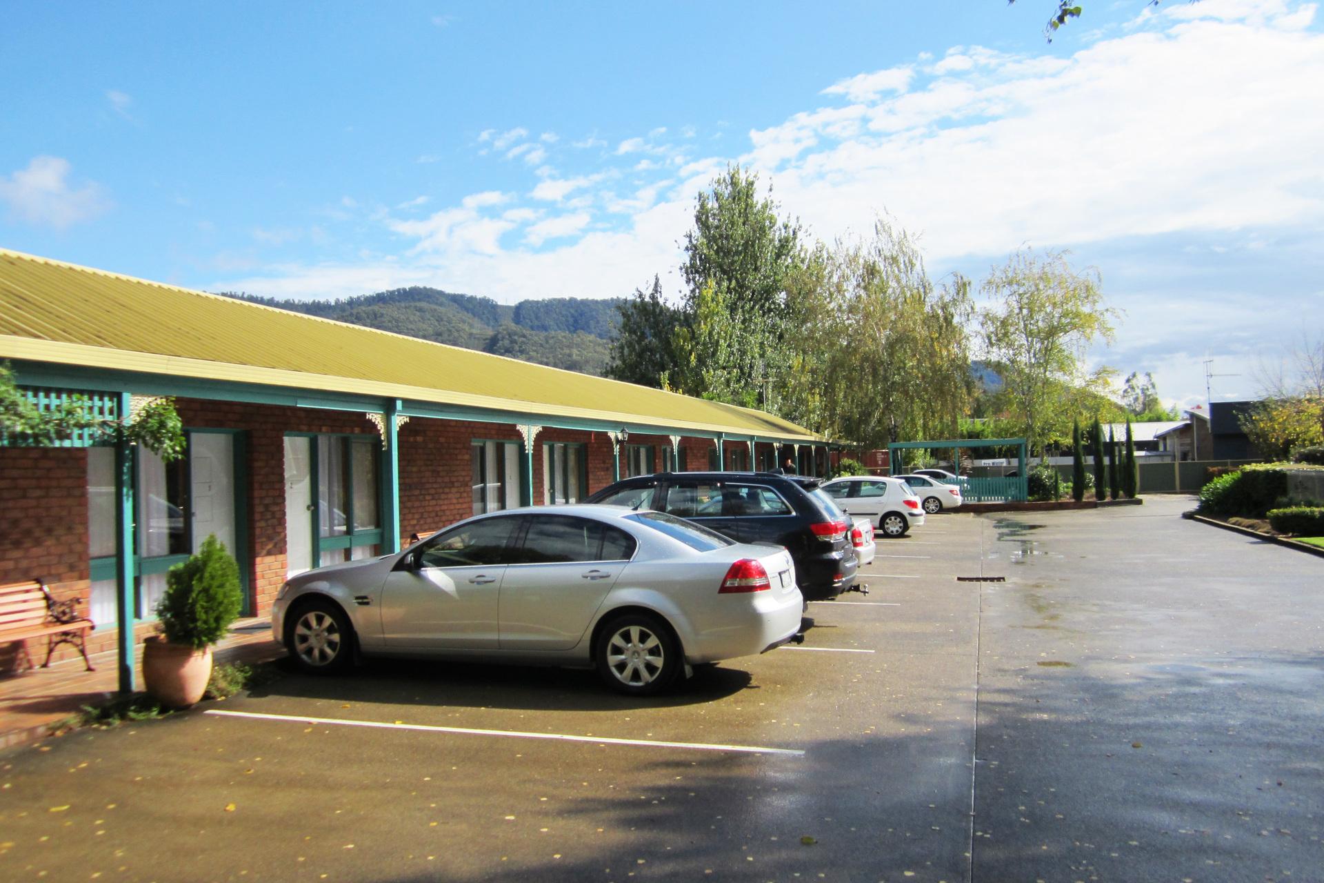 h - Snowgum Motel