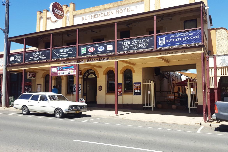 n - Poachers Paradise Hotel