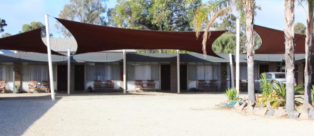 i - Thomas Lodge Motel