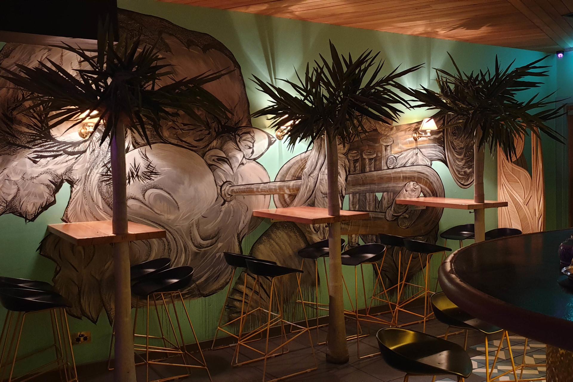 m - The Palm Royale