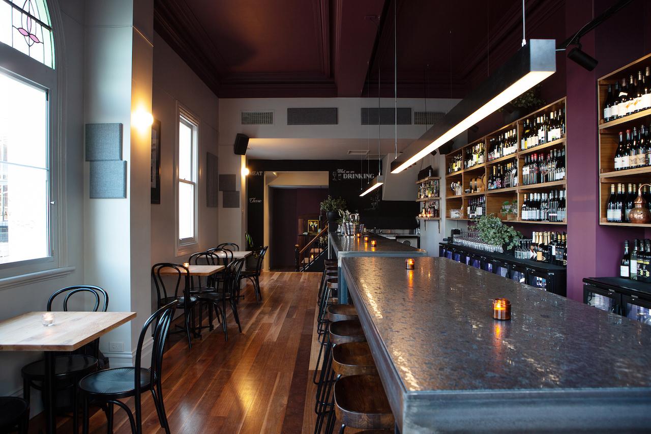 i - The Vale Bar & Eatery