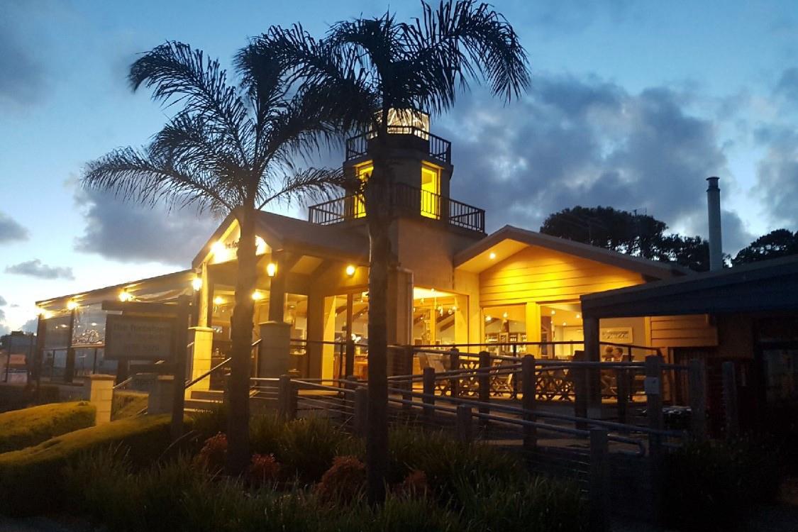 j - The Foreshore Bar & Restaurant