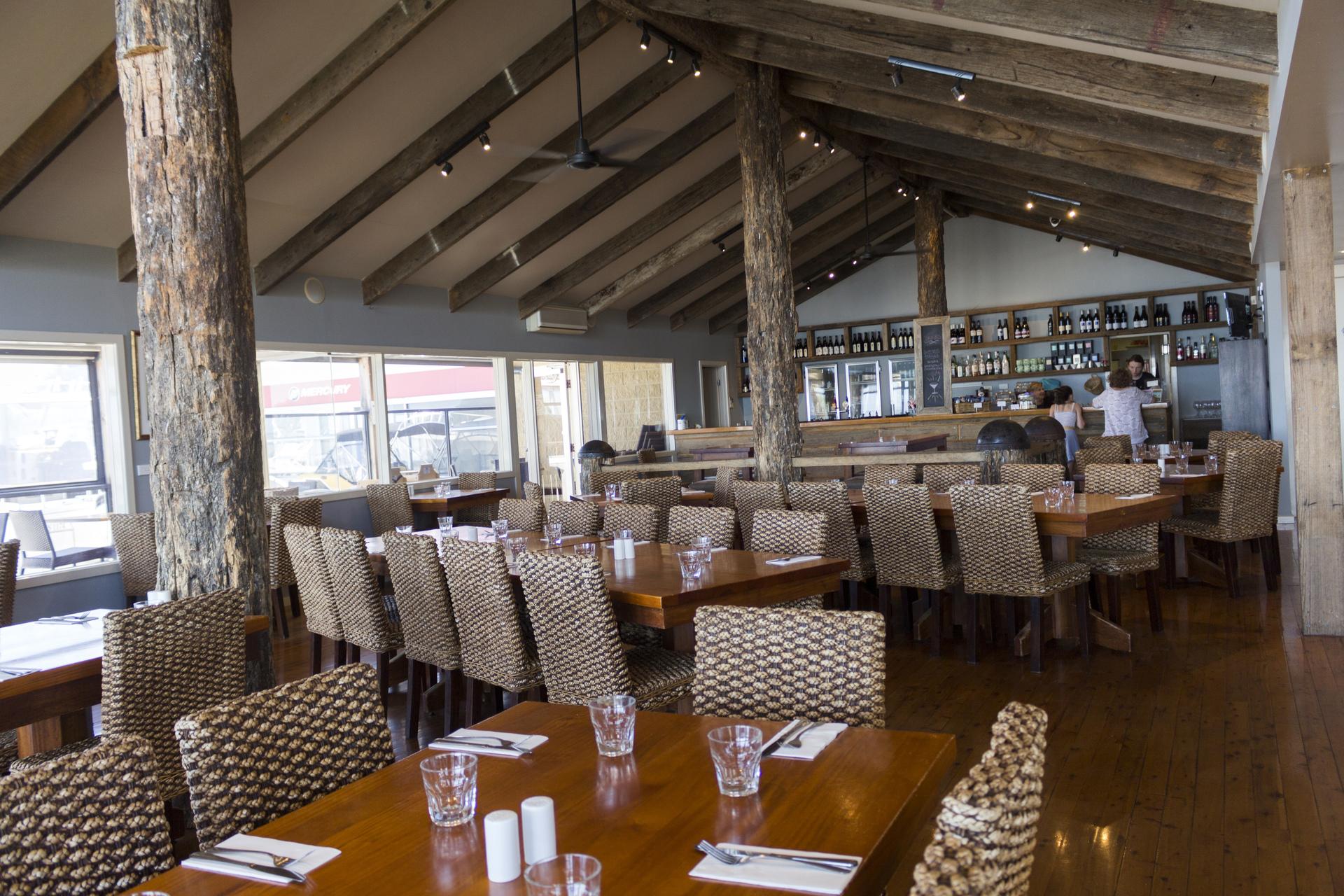 b - The Foreshore Bar & Restaurant