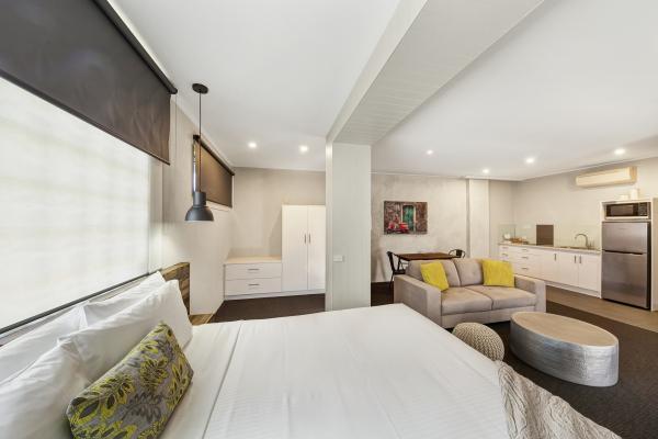 a - Moonlight Bay Motel & Apartments