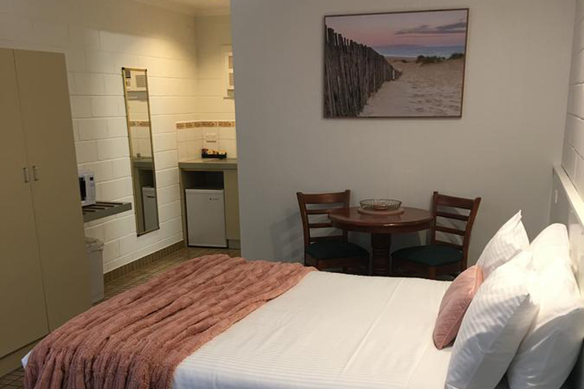 a - Sandbar Motel