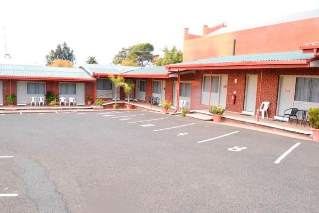 g - Grenfell Motel