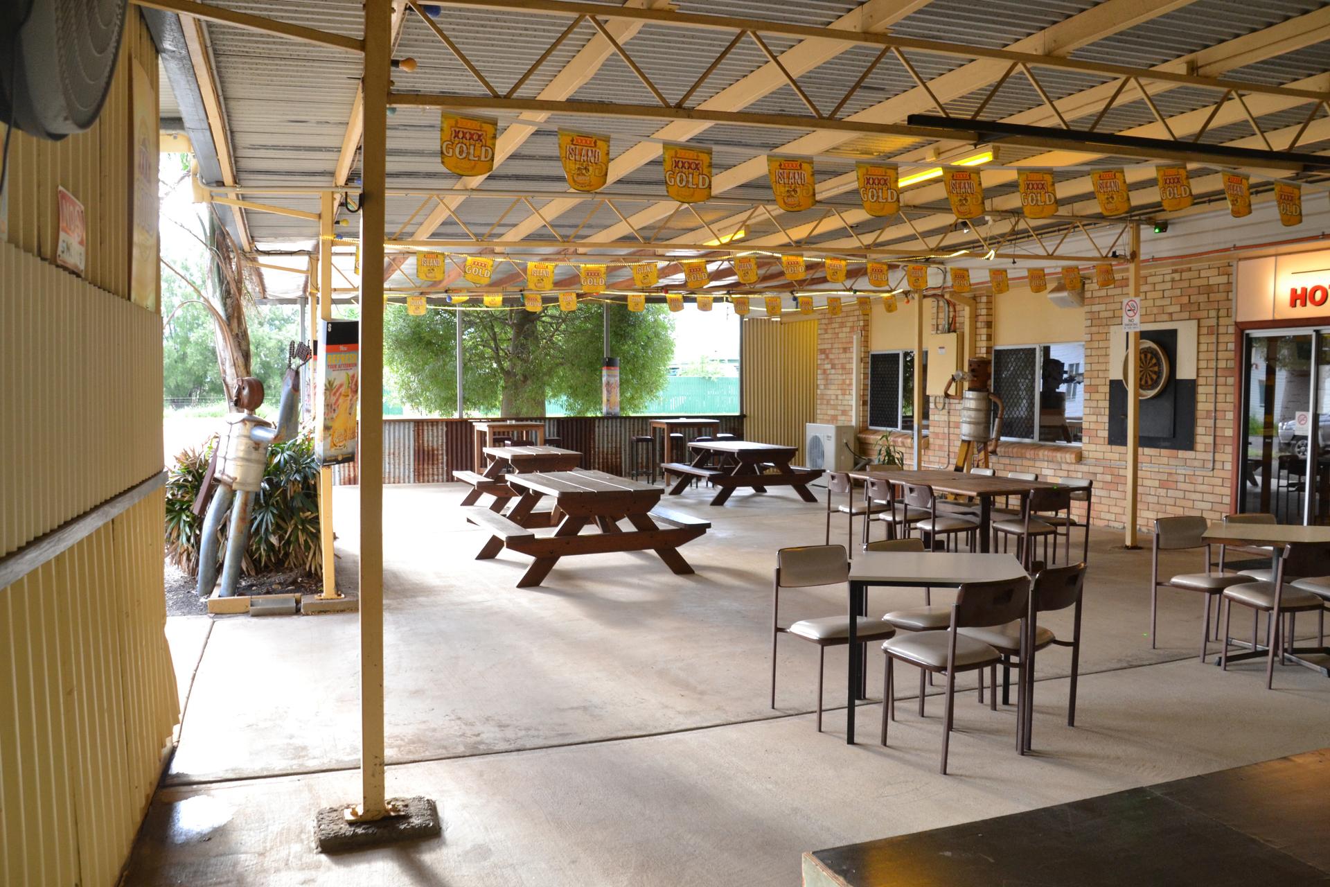 b - Yuleba Hotel Motel and Diner